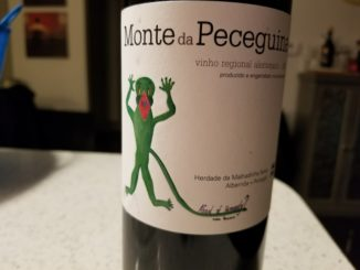 Image of a bottle of 2015 Monte da Peceguina