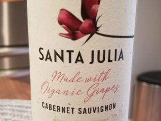 Image of a bottle of 2017 Santa Julia Cabernet Sauvignon