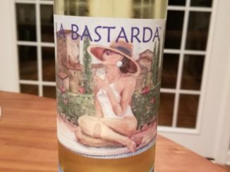 Image of a bottle of 2017 La Bastarda Pinot Grigio