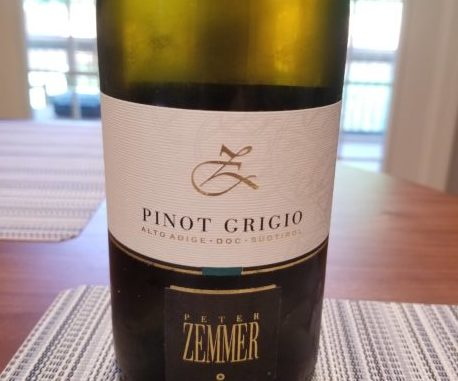 Image of a bottle of 2018 Peter Zemmer Pinot Grigio from Alto Adige