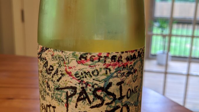 Image of a bottle of 2018 Pasqua Romeo & Juliet Passione Sentimento Bianco