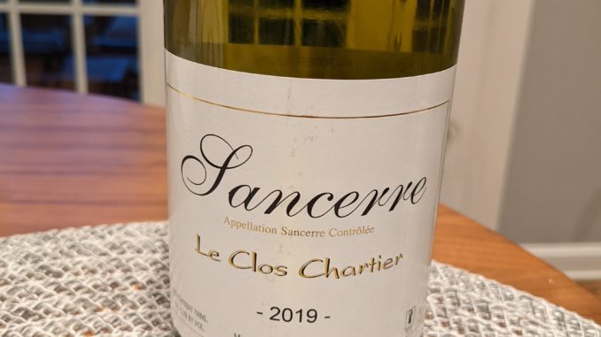 Image of a bottle of 2019 Le Clos Chartier